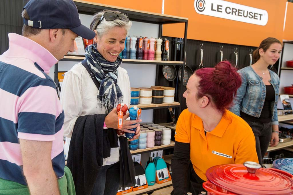Circle-Agency-Le-Creuset-retail_chat